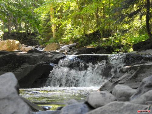 Cascada zona Brates